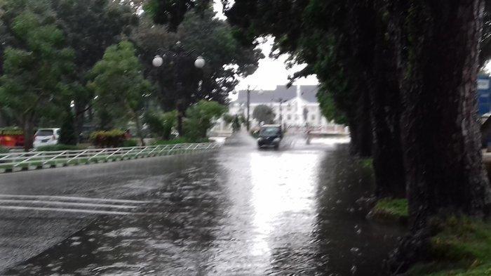 Info Cuaca dari BMKG untuk Besok, 19 Daerah Berpotensi Hujan Lebat