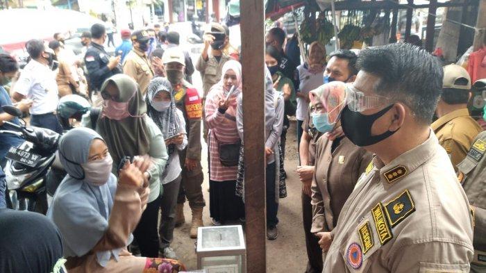 Wali Kota Jambi Syarif Fasha sidak ke pasar.