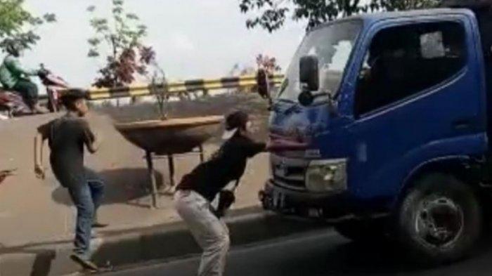 Bikin Konten TikTok Prank Malaikat Maut dengan Hadang Truk, Remaja 16 Tahun Berakhir di Kolong Truk