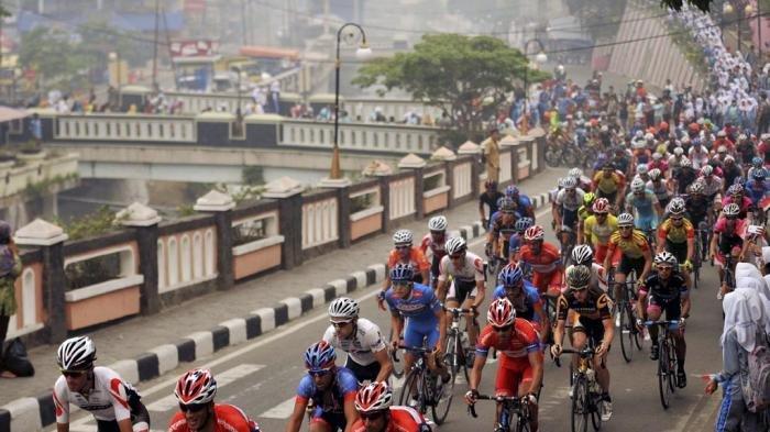 Tour de Singkarak Lewati Kerinci, Adirozal Optimis Pariwisata Kerinci Akan Berkembang