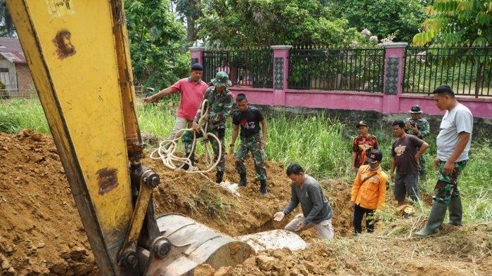 Program TMMD ke-107, TNI Bersama Warga Kompak Bangun Gorong-gorong di Desa Sungai Binjai
