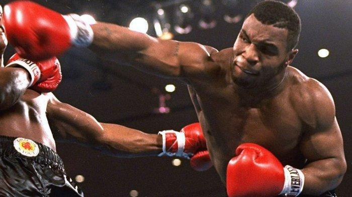 Jadwal Tinju Ekshibisi Mike Tyson vs Roy Jones Jr, Live Streaming, Simak Aksi si Leher Beton