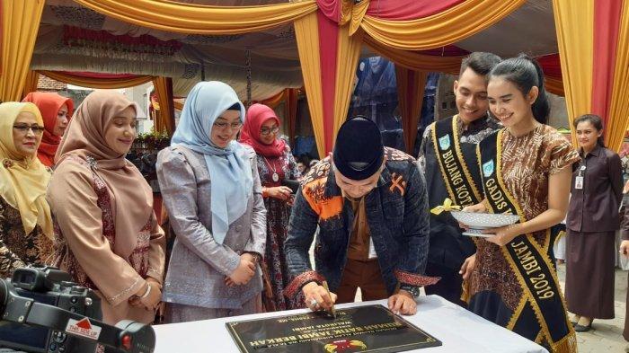 Walikota Fasha Resmikan Rumah Batik Berkah, Tempat Edukasi Membatik Pertama di Jambi