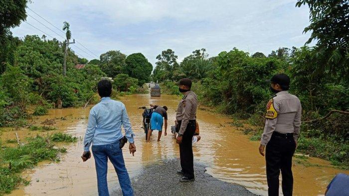 Air Sungai Meluap, Wilayah Sarolangun Mulai Terendam Banjir, BPBD Minta Warga Waspada