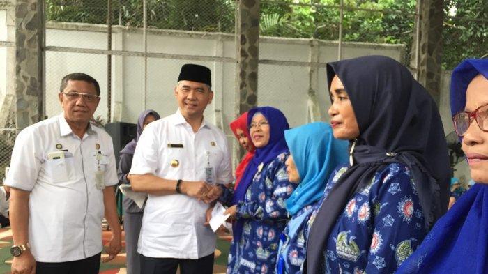 Fasha Beri Insentif Kader PPKBD Karena Ikut Sukseskan Program KB di Kota Jambi