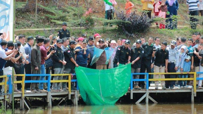 Fachrori Launching Penjualan Ikan Online di Kerinci