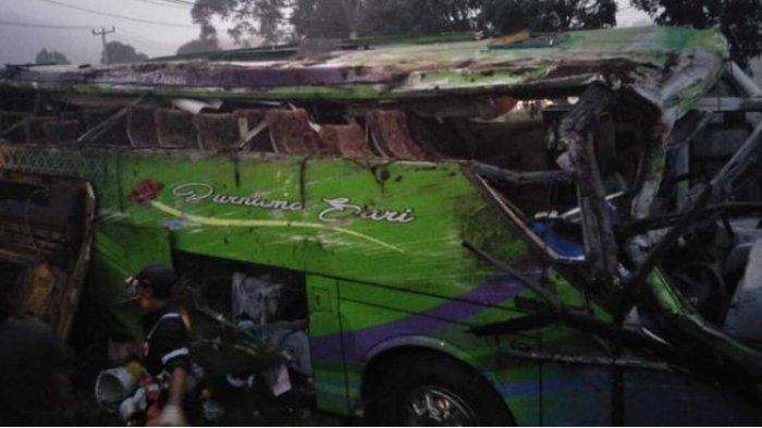 Cerita Pilu Korban Kecelakaan Maut : Kader Posyandu Lagi Nyanyi Lagu Kemesraan, Tiba-tiba Bus Oleng