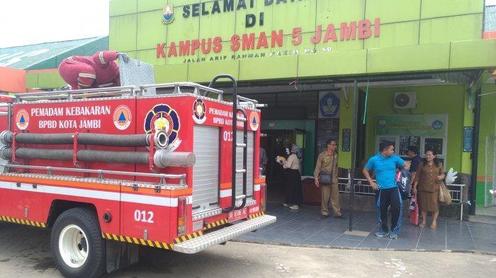 Gardu Listrik PLN Meledak, Siswa SMAN 5 Kota Jambi Geger Lalu Berhamburan Keluar