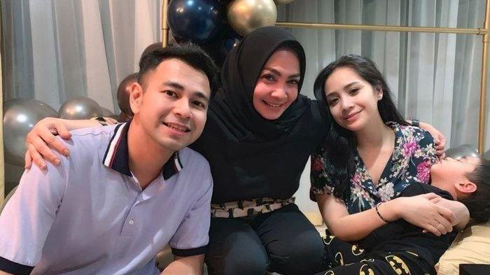 Mama Rieta Beri Peringatan Pada Rafathar Soal Kehamilan Nagita Slavina: Nurut Sama Mama Ya Nak!
