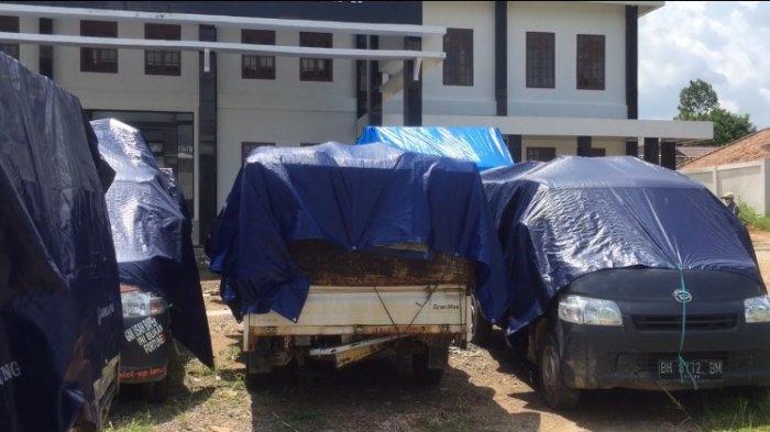 Kejari Batanghari titipkan 20 ton minyak dari tindak pidana ilegal driling ke PT Pertamina Rokan Hulu di Kenali Asam Jambi region 1.