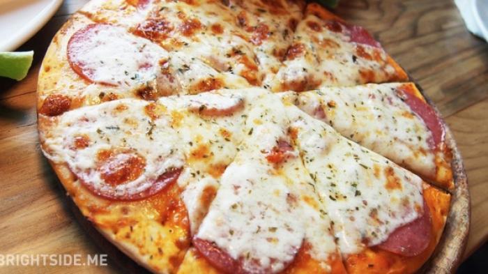 Aneh Tapi Nyata, Hampir Setiap Hari Pria Ini Dikirimi Pizza yang Tak Pernah Ia Pesan Selama 9 Tahun