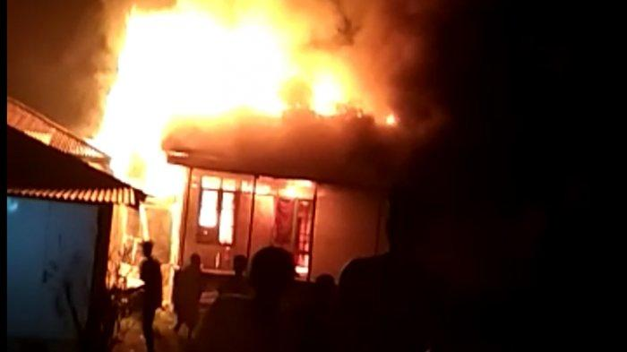 Api Berkobar di Lembah Masurai, 6 Rumah Hangus Terbakar, 5 Rumah Terpaksa Dirobohkan