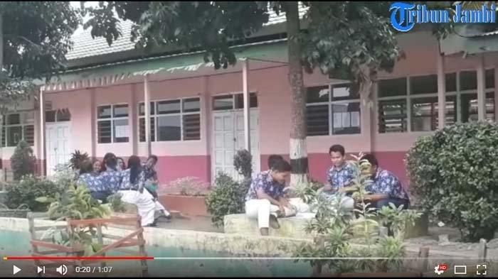 Orangtua Terbebani, Anak SMP Diminta Bawa Smartphone Android ke Sekolah