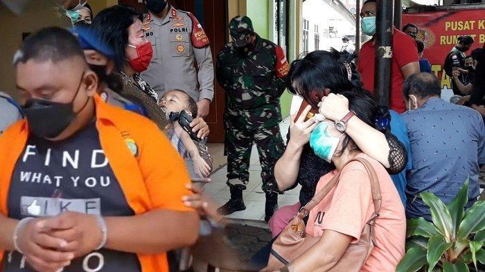 Istri Praka Martinus Sinurat Tak Henti Menangis, Ledy Simamora Akan Bawa Jenazah Suami ke Tapanuli