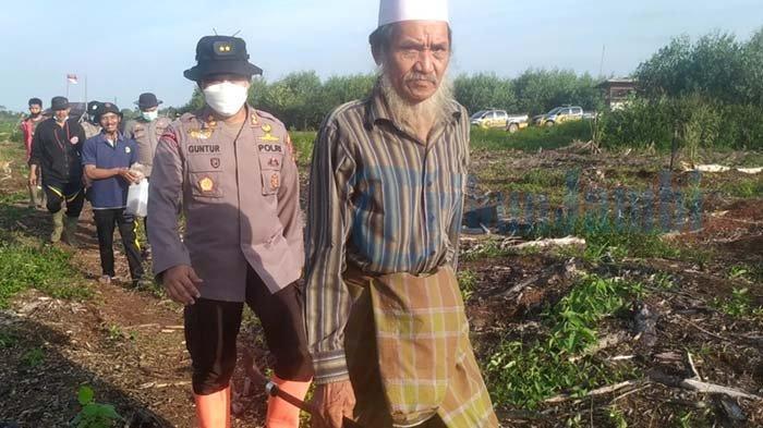 Pak Janggut Pertahankan Budaya Buka Lahan dengan Cara Membakar Selama Solusi Biaya Tidak Ada