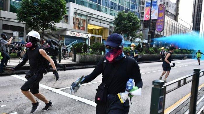 Demo Hari Minggu & Berakhir Ricuh di Hong Kong, Polisi Tak Sengaja Tembakkan Meriam Air ke Masjid