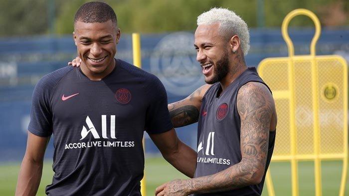 Mega Bintang Paris Saint-Germain Neymar, Bersama 2 Pemain PSG Lainnya Dinyatakan Positif Covid-19