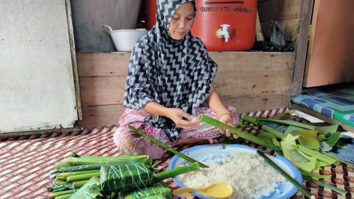 Burasa, Makanan Khas Sulawesi Selatan Menjadi Santapan Pilihan Warga Mendahara Ilir Saat Lebaran