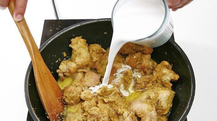 Cara Memasak Opor Ayam Lezat Menurut Chef Profesional, Pastikan Bumbu Meresap Sempurna