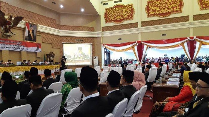 45 Anggota DPRD Kota Jambi Dilantik, Syarif Fasha Ingatkan Agar Berbuat Terbaik untuk Kota Jambi