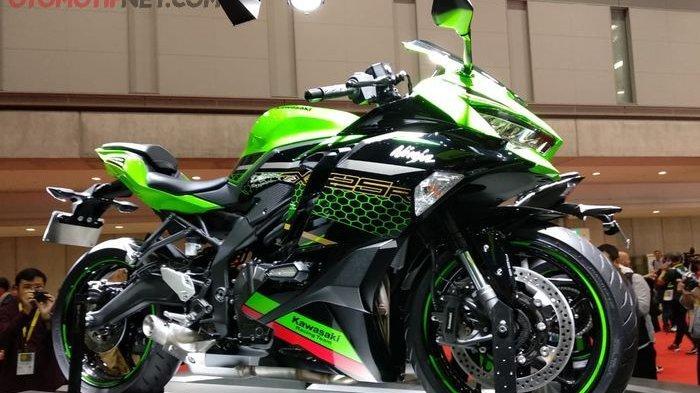 Motor Baru yang di Launching 2020 - Kawasaki ZX-25R, Suzuki DR150, Burgman Street, Honda Air Blade
