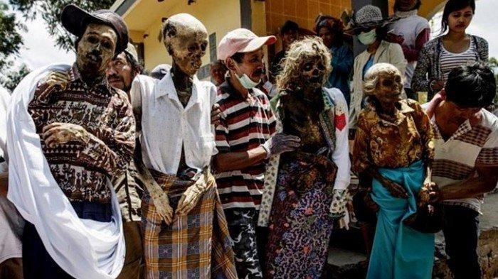 5 Tradisi Unik Pemakaman Jenazah di Indonesia, Yakin Berani Lewat Lokasi?