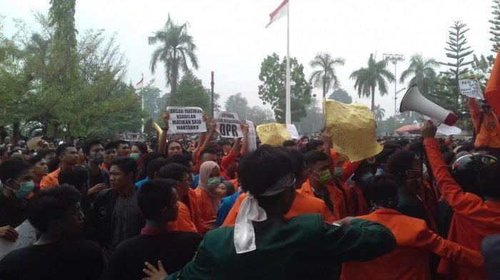 Aksi Mahasiswa Jambi, Ini 8 Tuntutan Pada Pemerintah Mulai dari Karhutla hingga Cabut RUU KPK