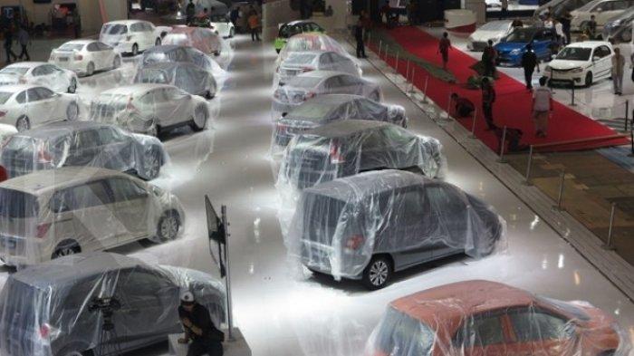 Ganti Rugi Proyek Cair, Warga Satu Desa di Tuban Ramai-ramai Borong Mobil Totalnya 176 Mobil