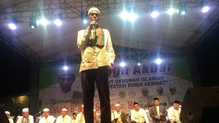 Jawaban Ustaz Abdul Somad, Apa Beda Salat Sunah Tarawih 8 dan 20 Rakaat? Tausiah di Kota Jambi