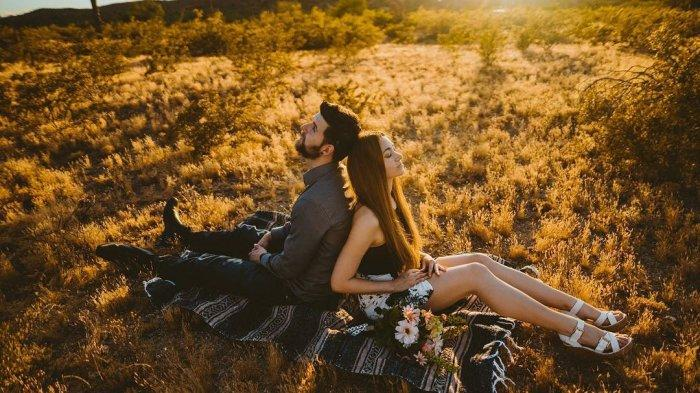 Ramalan Cinta Zodiak Rabu 1 Mei 2019 - Pisces Membuat Banyak Orang Terpikat, Libra Diatur Pasangan