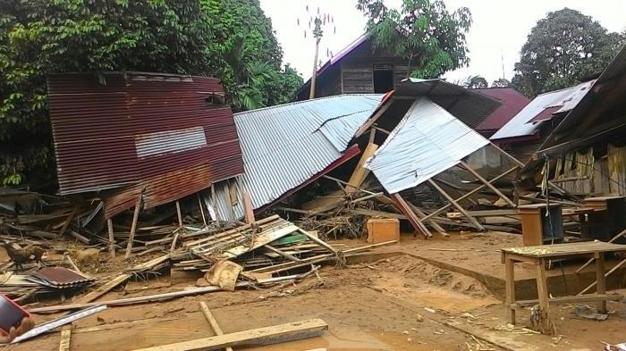 Enam Titik Longsor di Muara Emat,  Satu Rumah Hanyut Diterjang Banjir