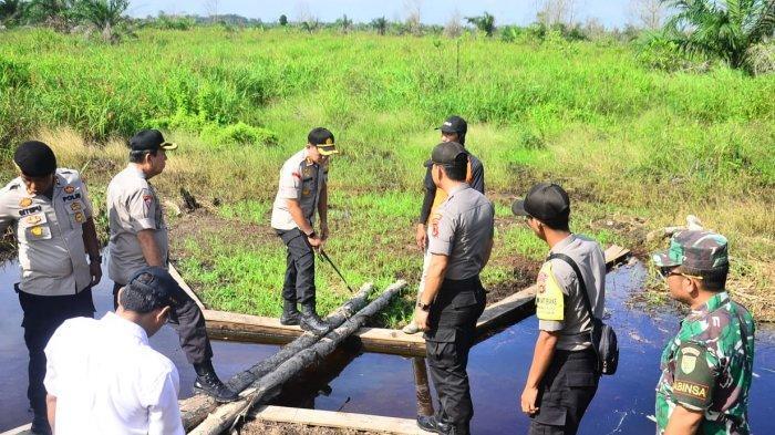 Cegah Karhutla, Kapolres Tanjab Barat Dukung Pembuatan Sekat Kanal dan Embung