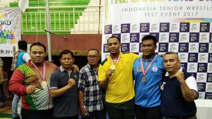 FOTO: Tim Gulat Jambi Raih Peringkat 5 Besar Nasional
