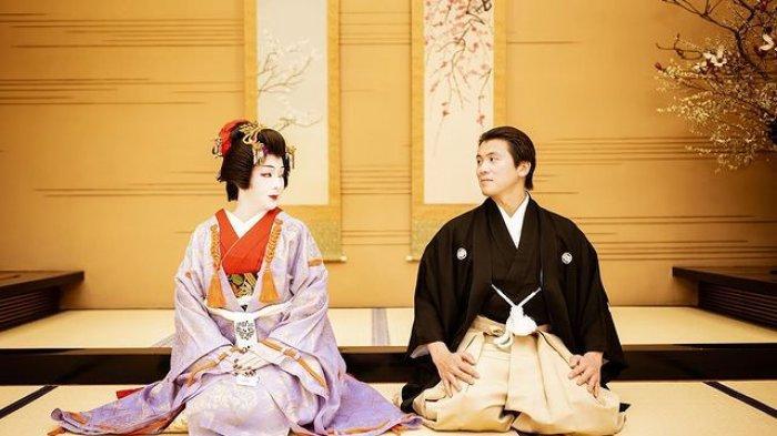 Syahrini Berdandan ala Geisha, Rayakan Ulang Tahun ke-2 Pernikahan dengan Reino Barack: I Love You