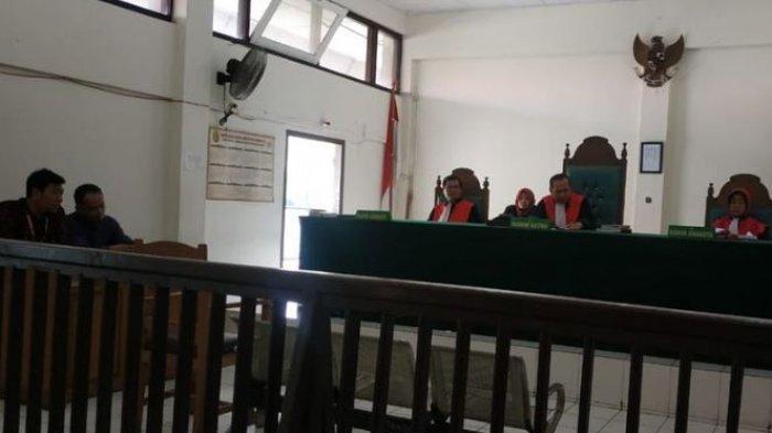 TAK Terima Anak Kandung Diam-diam Balik Nama Sertifikat Rumah, Ayah Gugat ke Pengadilan