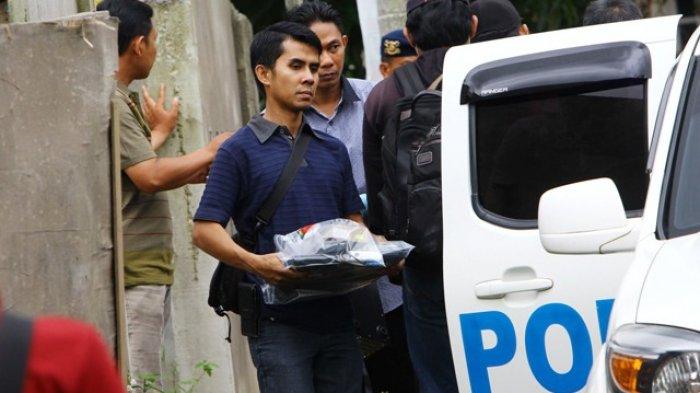 Densus 88 Geledah Rumah Pelaku Bom Polrestabes Surabaya, Tetangga Dievakuasi Sejauh 300 meter