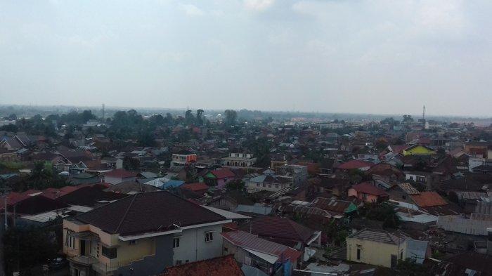 Kota Jambi Mulai Diselimuti Kabut Asap, Jarak Pandang Menurun