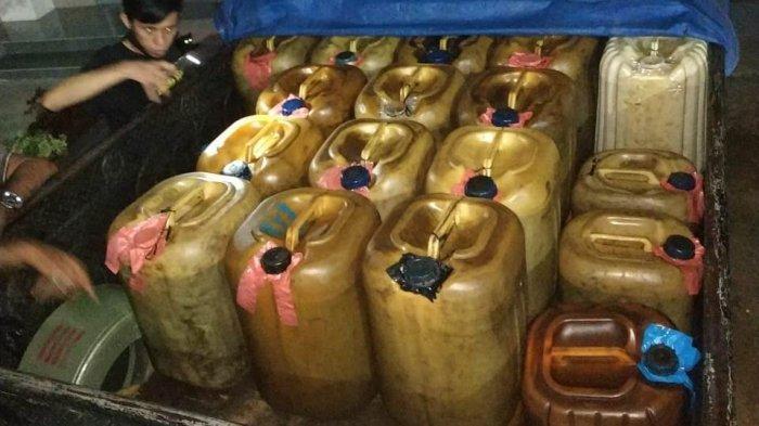 56 galon bahan bakar bersubsidi yang diamankan Satreskrim Polres Bungo adalah mahasiswa, Sabtu (16/1/2021).