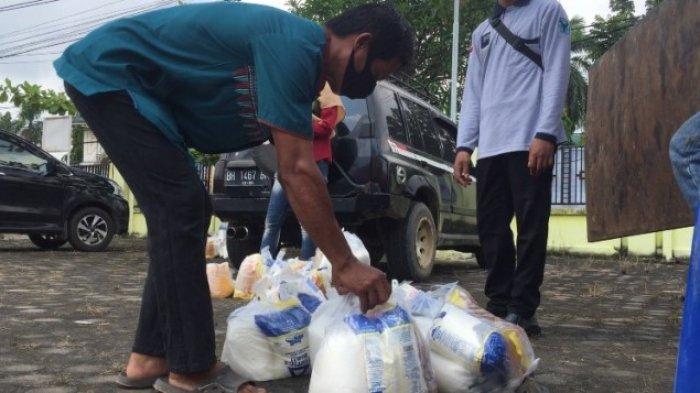 Sebanyak 800 Paket Sembako Subsidi Disalurkan Kepada Masyarakat Muara Bulian