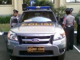 Mobil Patroli Pejabat Jadi Penguasa Jalan