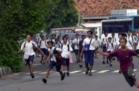 Tawuran Pelajar SMP Pecah, Satu Orang Pelajar Tewas Disabet Celurit