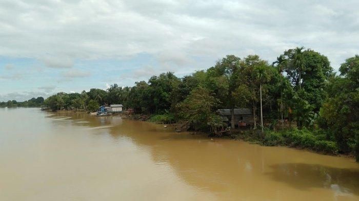 Pembangunan Turap Berbiaya Mahal, Relokasi Warga Desa Kelurahan Simpang Jadi Opsi