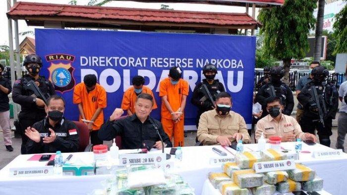 Detik-detik Penangkapan Kompol IZ Kurir Bawa 16 Kg Sabu, Kena Tembak di Lengan dan Punggung