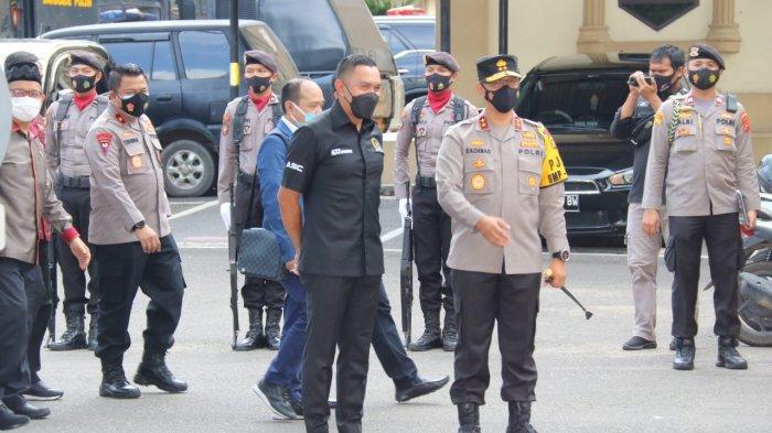 Tiba di Polda Jambi, Rombongan Komisi III DPR RI Disambut Pasukan Jarmat