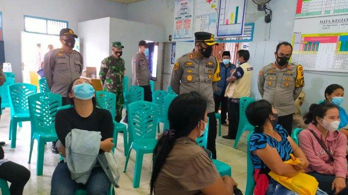 Pantau Pelaksanaan Vaksinasi di Jaluko, Kapolres Muarojambi Pesan Terapkan PPKM Secara Ketat