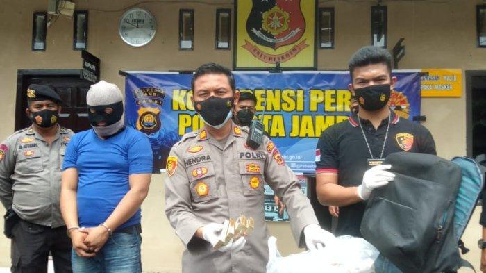 Kapolres Jambi Timur AKP Hendra Manurung saat pers rilis Selasa (15/6/2021) siang.