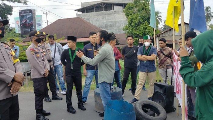 Aksi Demo Organisasi Mahasiswa Sarolangun Menilai Aparat dan Pemerintah Tidak Tegas Berantas PETI