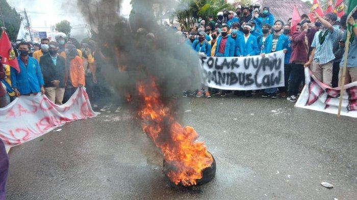 Mahasiswa Kerinci Sesalkan Lambatnya Respon Ketua DPRD, Demo Ricuh, Sejumlah Mahasiswa Terluka