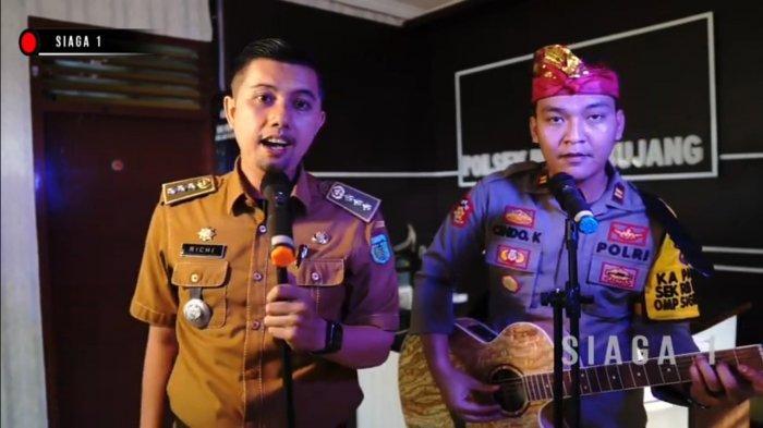 Adu Kompak Sampai Viral Kapolsek dan Camat di Tebo Bermain Musik Untuk Hibur Masyarakat