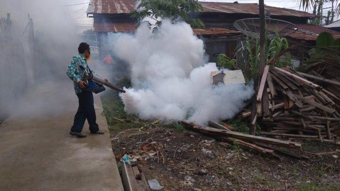 Aktifkan Peran Warga, Program Fogging dan Bedah Rumah di Kelurahan Pakuan Baru